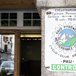 Raid Pyrenean control point in the pyrenees with marmot tours
