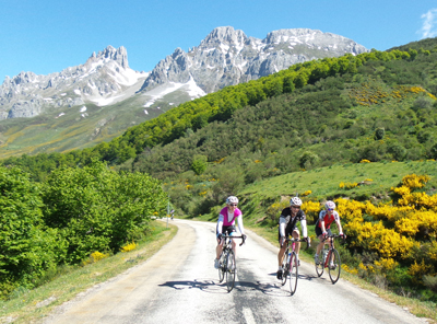 Quiet roads and beautiful views on the Classic Cols of the Picos
