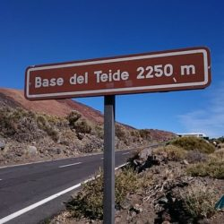 Base-del-Teide-tenerife-road-sign-cycling-holidays.